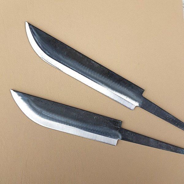 Knivblad Huggare Large av kolstål från Lauri