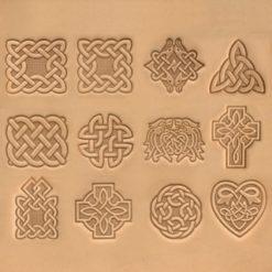 Punsset med 12 keltiska motiv på läder