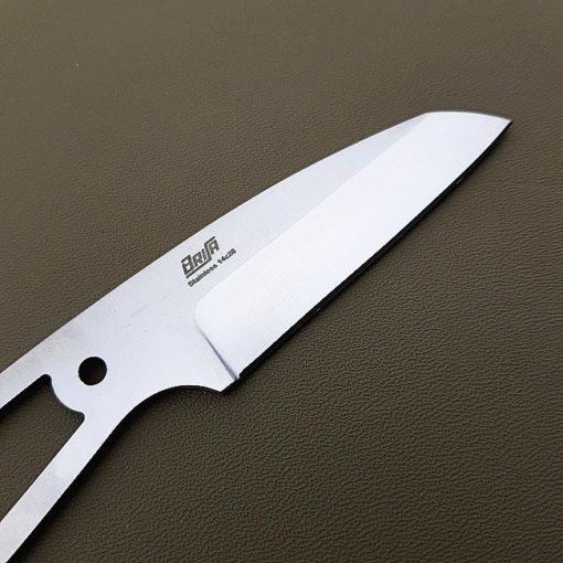 Knivblad Full-tang Wharncliffe 75 närbild